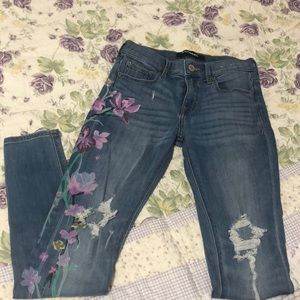 NWT  express jeans !! . Never used